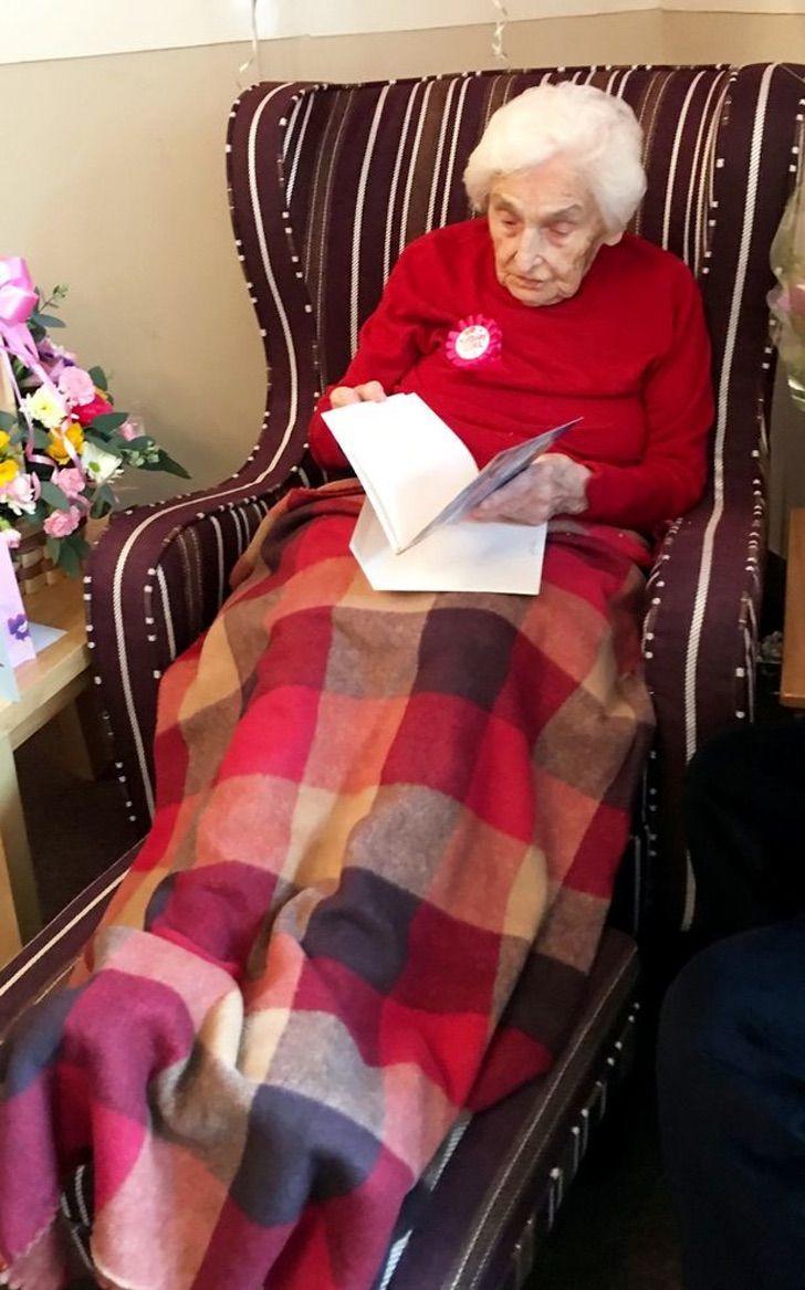 anciana, Reino Unido