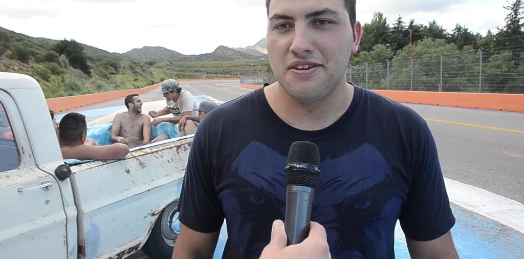 Camioneta piscina