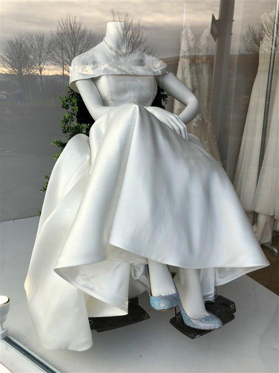 Vestido de novia adaptado a silla de ruedas