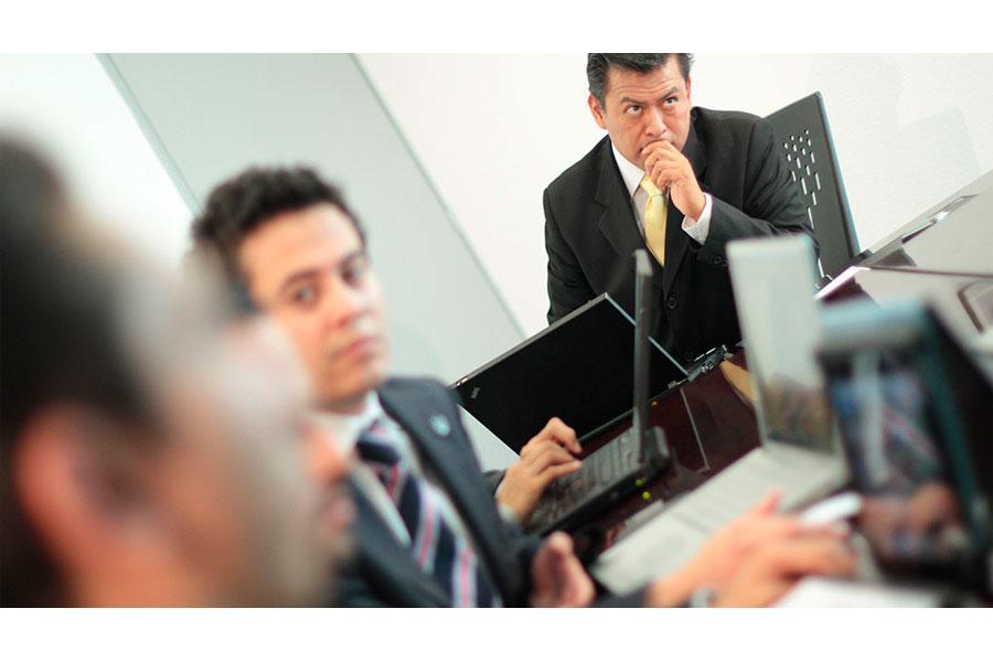 Los administradores gerentes requieren mínimo 8 años de experiencia