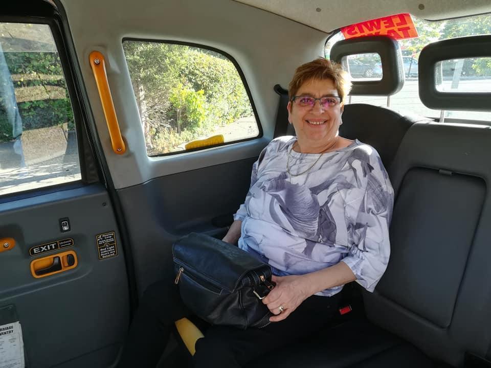 Abuela queda ciega por show de strippers